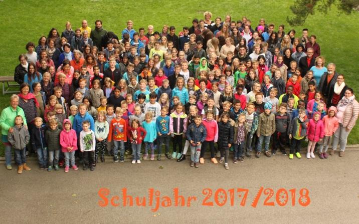Schulfamilie_1718.jpg